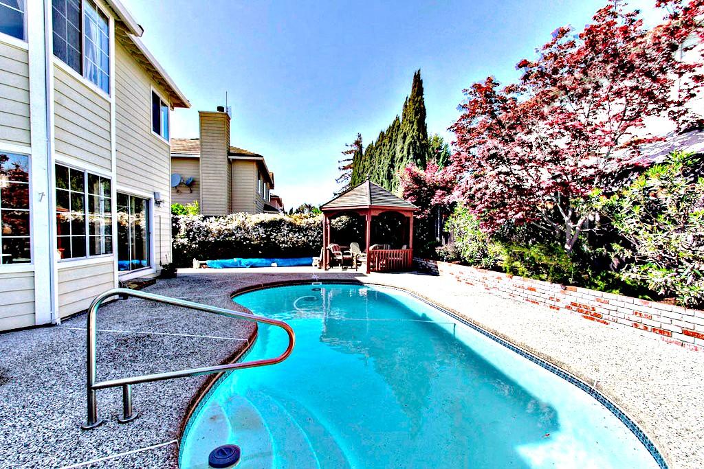 Swimming Pool, Gazebo in Backyard | San Francisco Bay Area Vacation Rentals