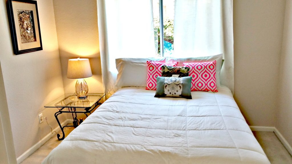 Downstairs Bedroom with Queen Bed|San Francisco Bay Area Vacation Home Rentals