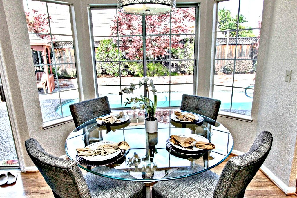 Kitchen dinning table | San Francisco Bay Area Vacation Home Rental