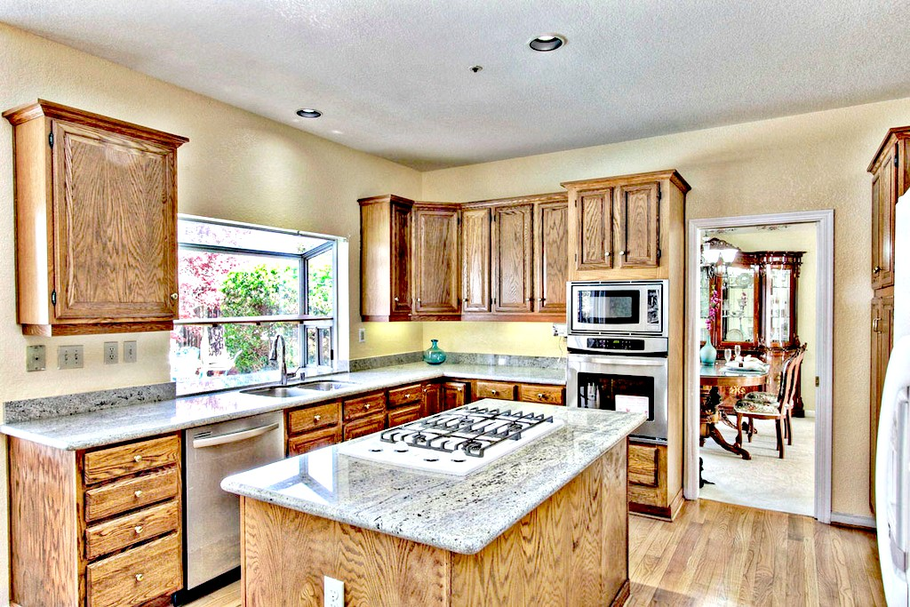 Kitchen, Granite Countertop, Island, Stainless Steel Appliances | San Francisco Bay Area Vacation Home Rental
