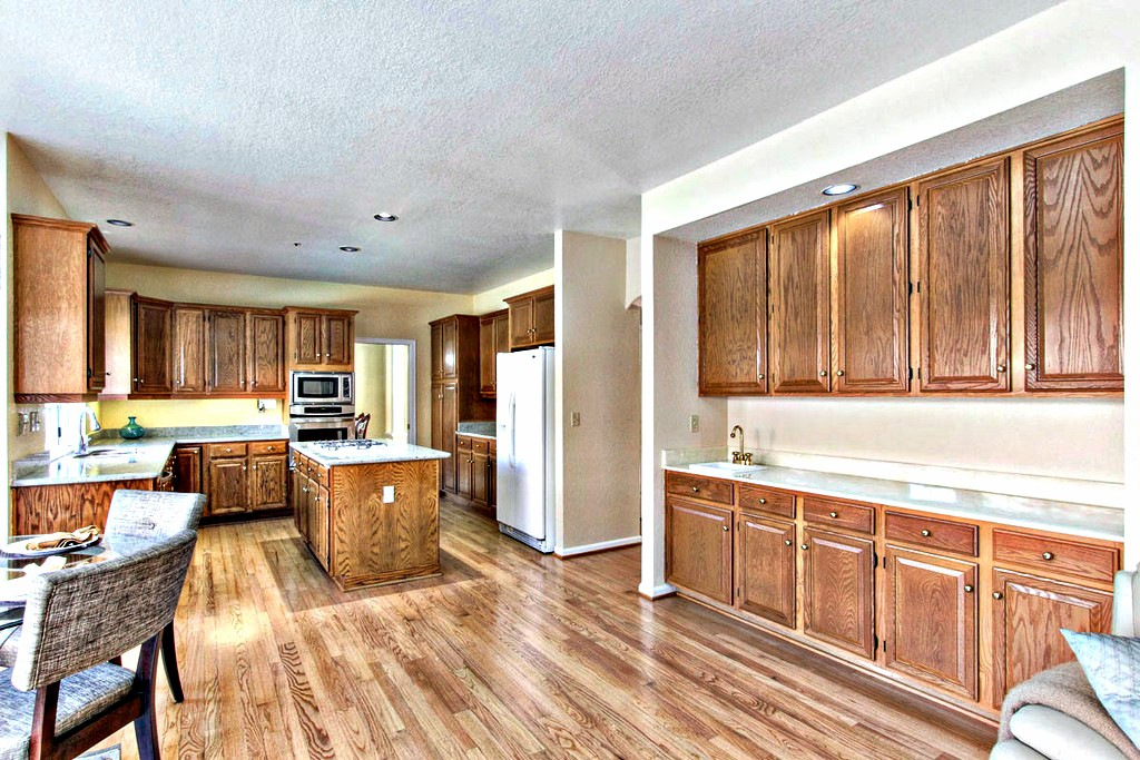 Spacious Kitchen, Lots of Cabinets | San Francisco Bay Area Vacation Home Rental